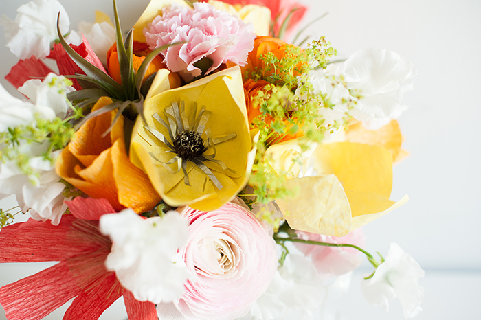 Making A Bridal Bouquet With Fresh Flowers. How To Make A Wedding ...