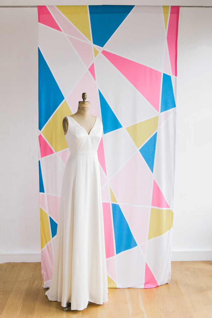 wedding-ceremony-backdrop-geometric