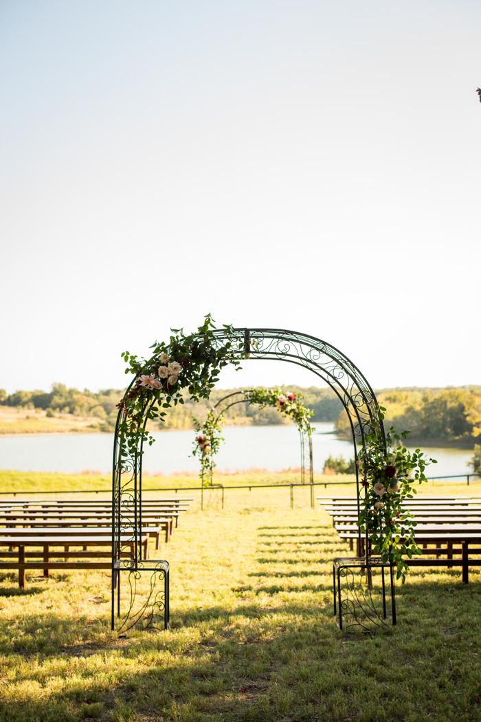 arch-floral-wedding