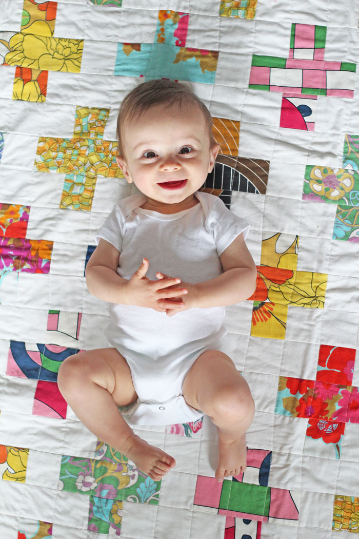 baby-on-a-quilt-9months