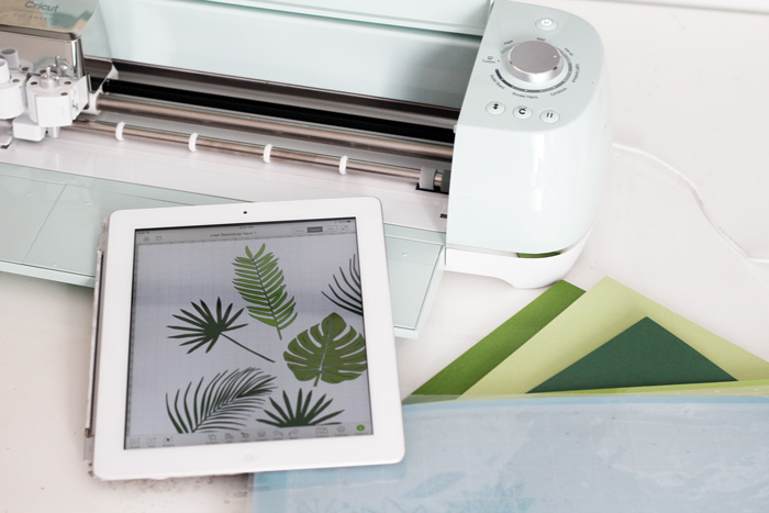 Leaf Backdrop with Cricut *giveaway* - NYC Event Designer and