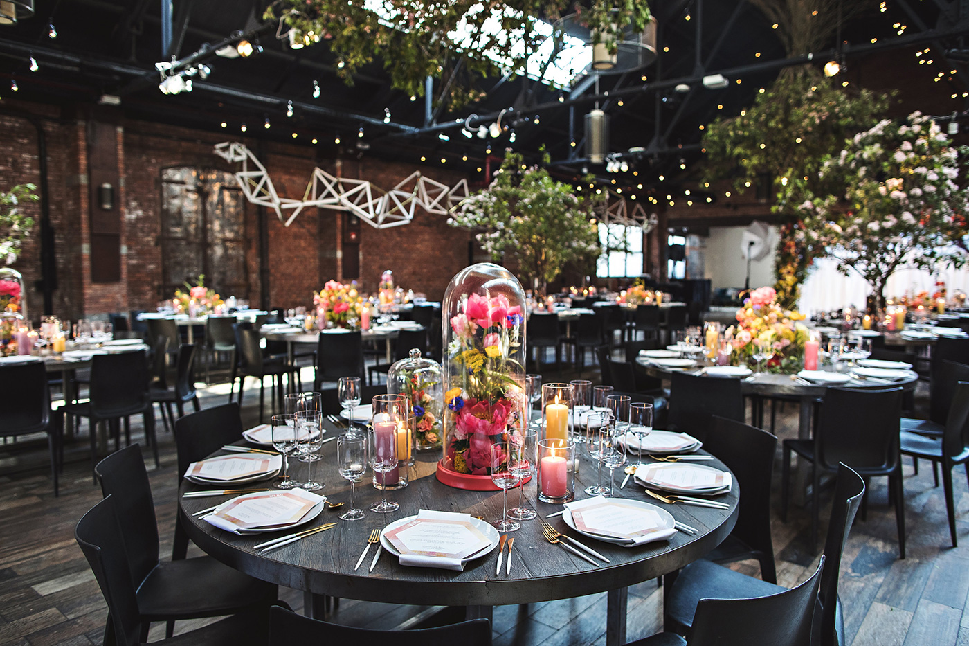 Round tables vs Rectangle tables for a wedding - Michelle Edgemont Design